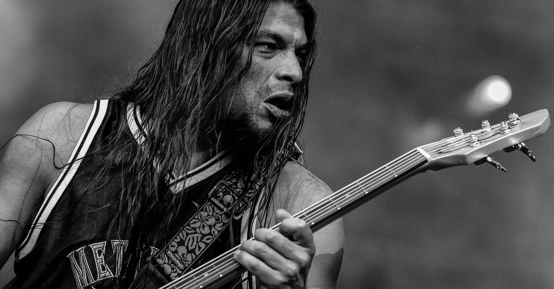 robert trujillo metallica croped header